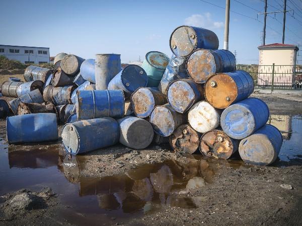 建研环境监测提醒您企业须知的危险废物处置